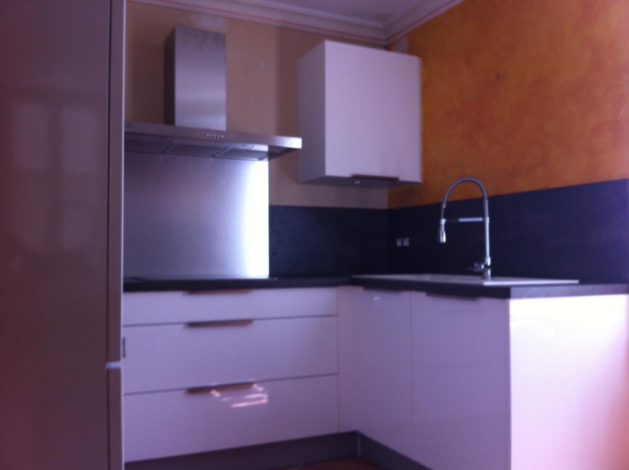 cuisine en kit mobalpa. Black Bedroom Furniture Sets. Home Design Ideas